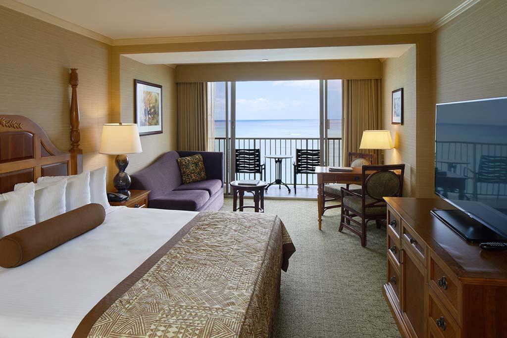 hotel for layover Honolulu Hawaii