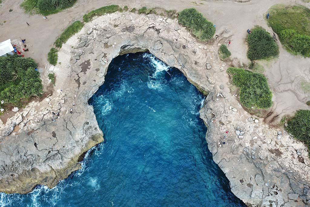 Nusa Lembongan island Devils Tear