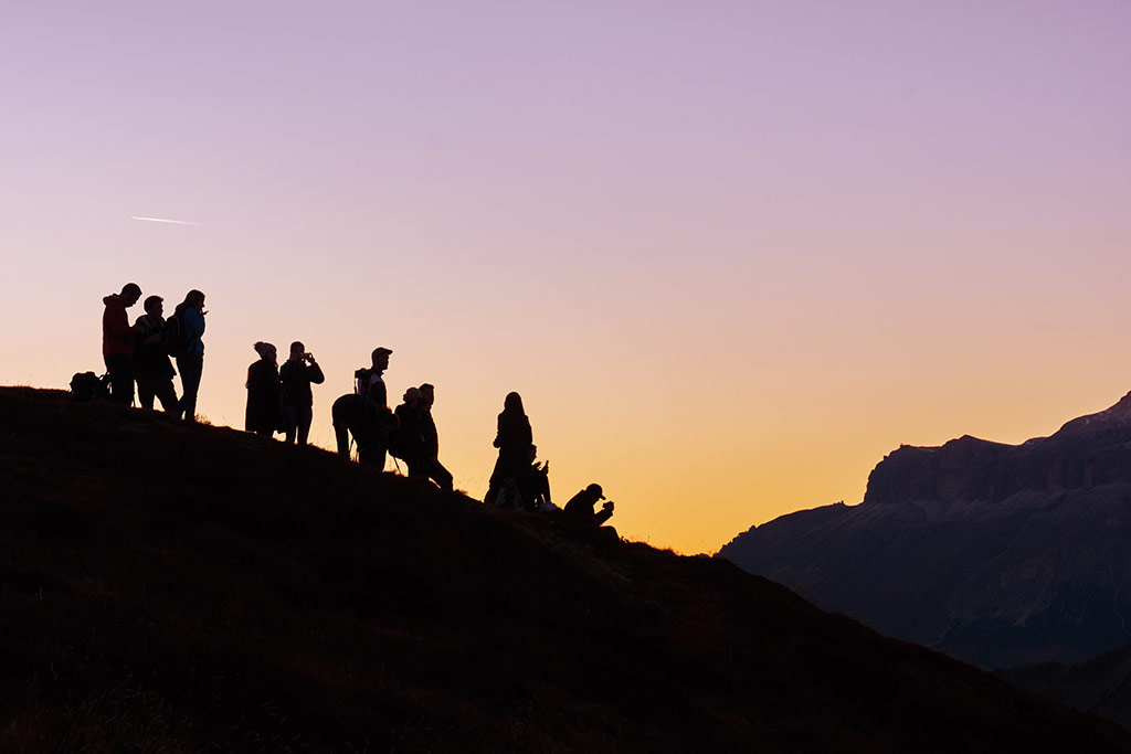 Benefits Of Group Travel And Why You Should Do It Don T Forget To Move