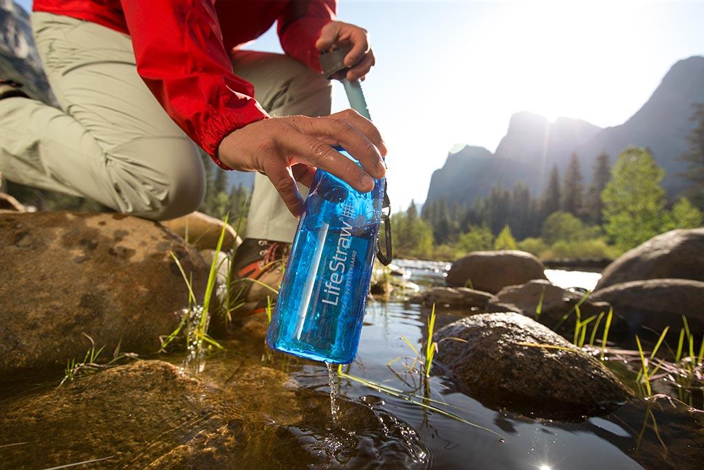 LifeStraw Go filter water