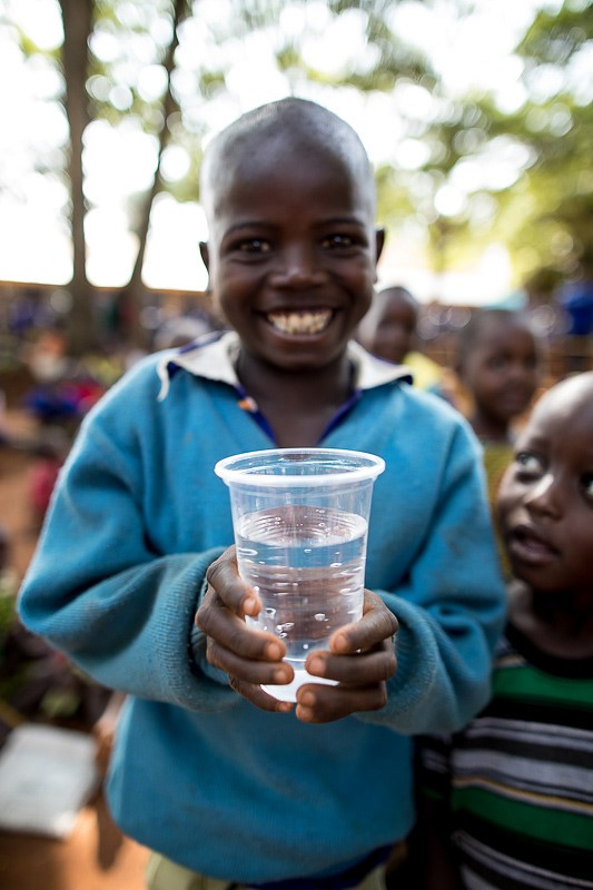 companies that give back LifeStraw